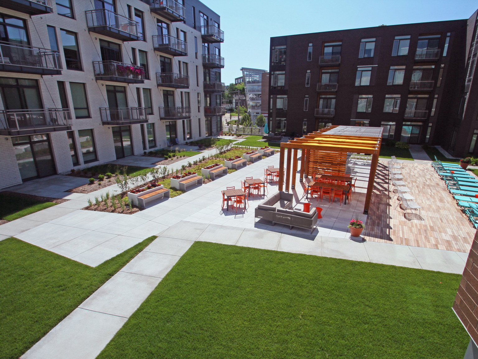 H_North-End_E_Green-Roof