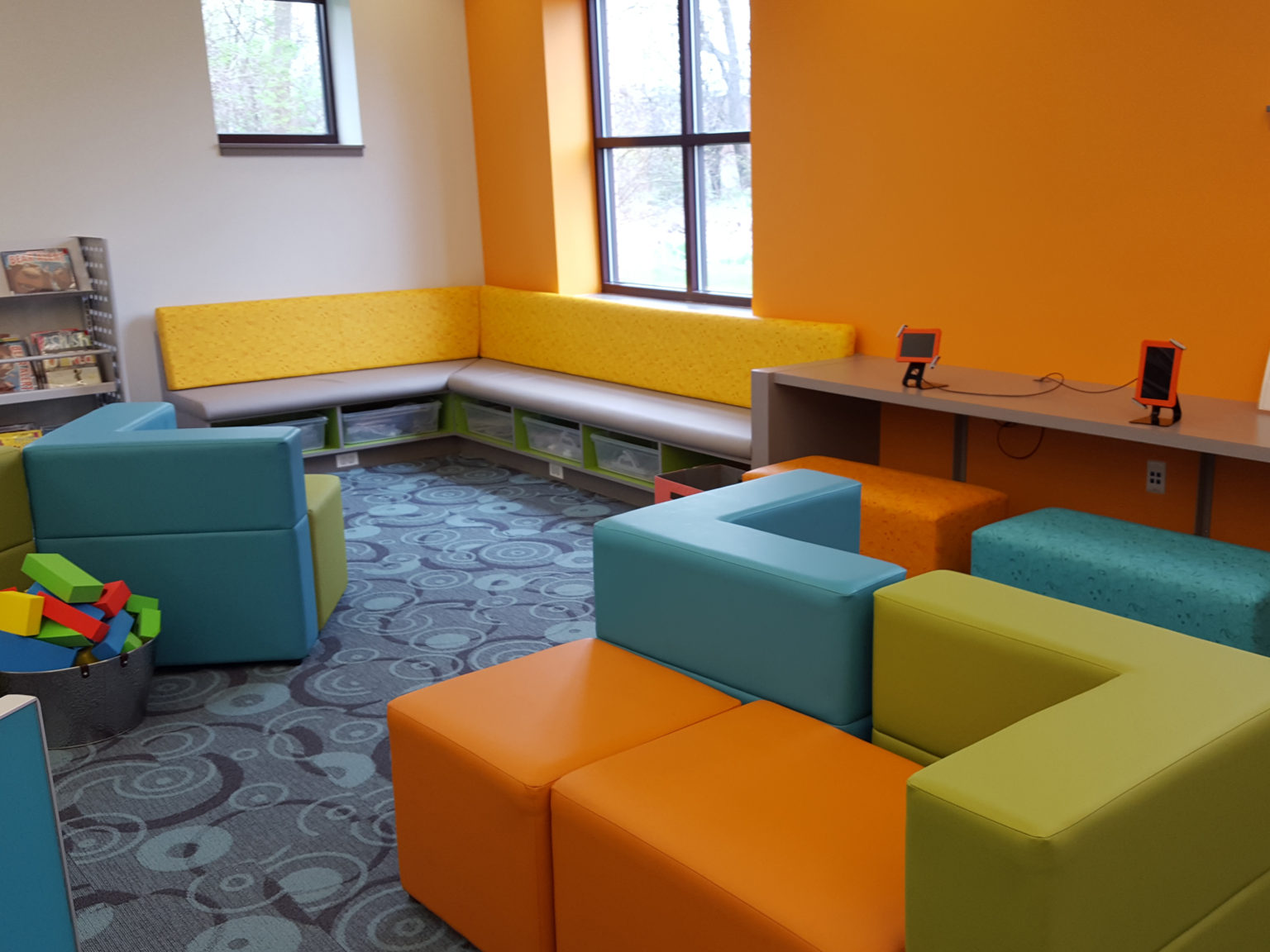 L-Lemont_I_seating2